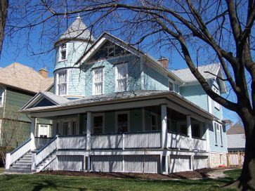 Oak Park Queen Anne Restoration and Addition