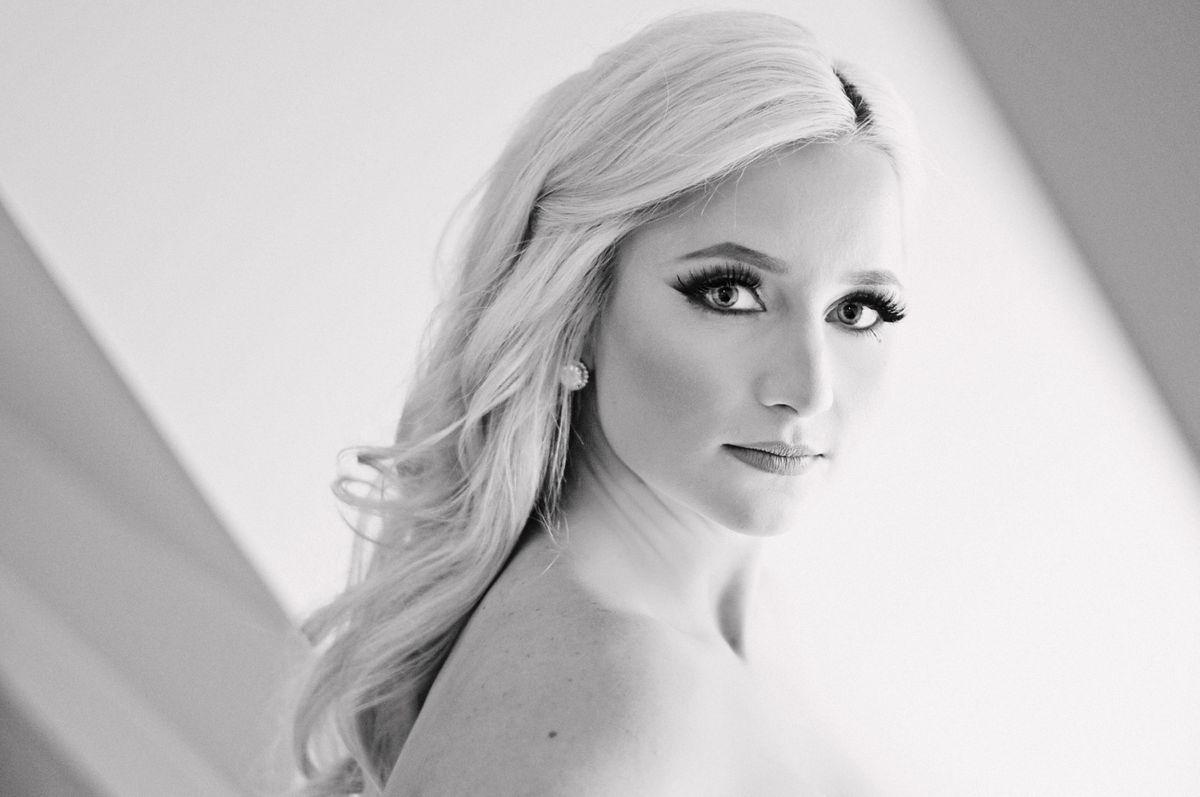 Bridal-Portrait-in-black-and-white.jpg