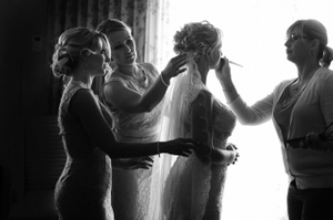 B&W photo of Bride getting ready  at yhe Hilton Chicago/Oak Brook Hills Resort & Conference Center