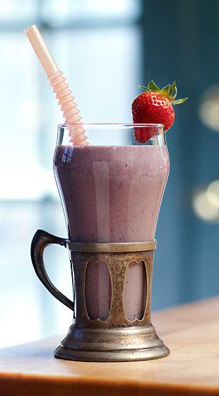 banana-berry health shake