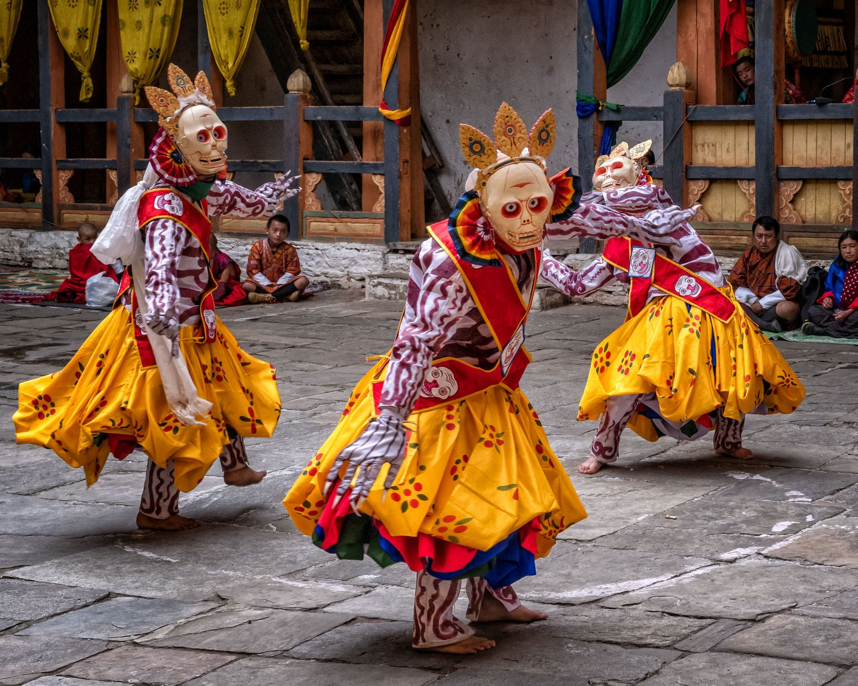 BHUTAN:  Bumthang's Jakar Tshechu