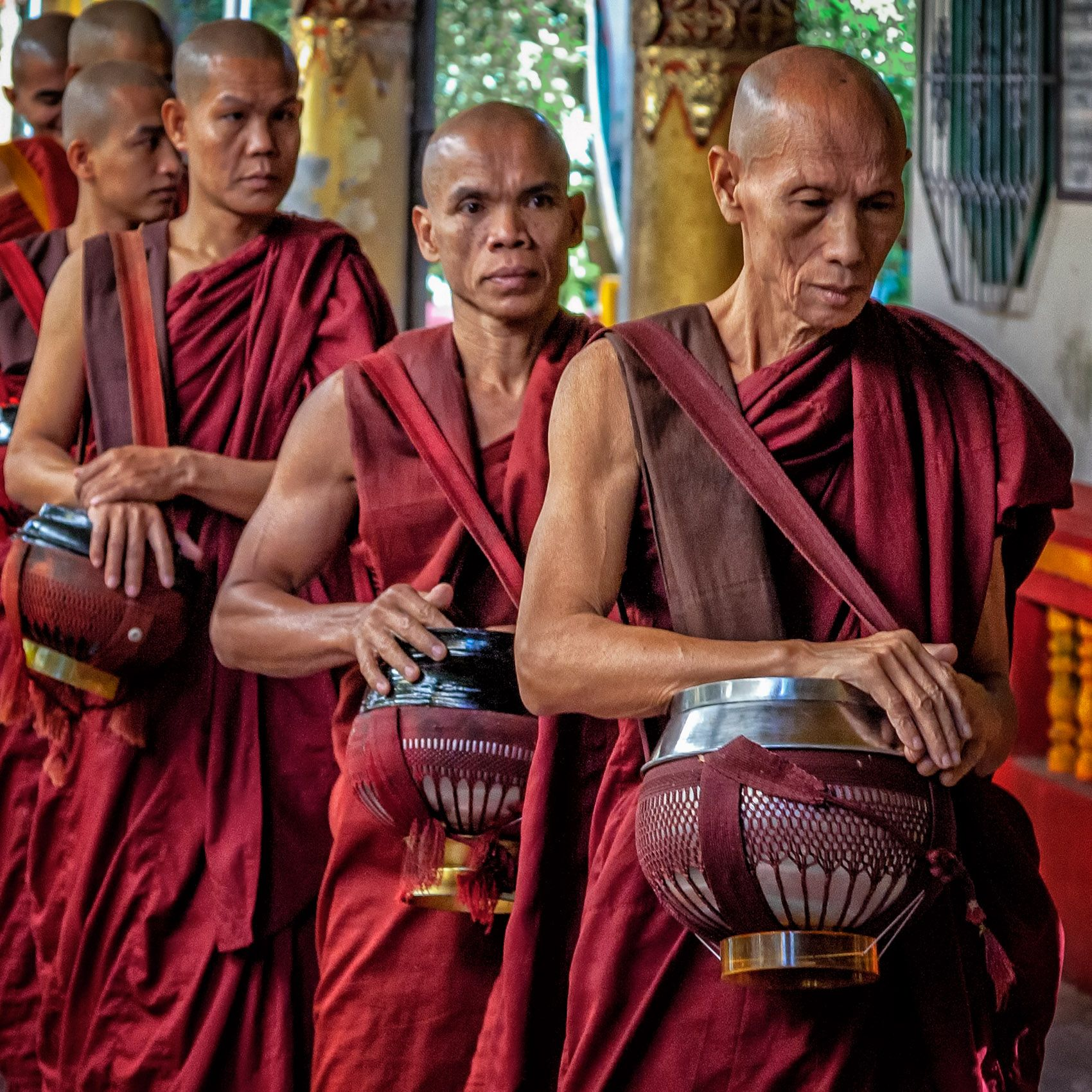 MYANMAR:  Buddhist Monks & Nuns