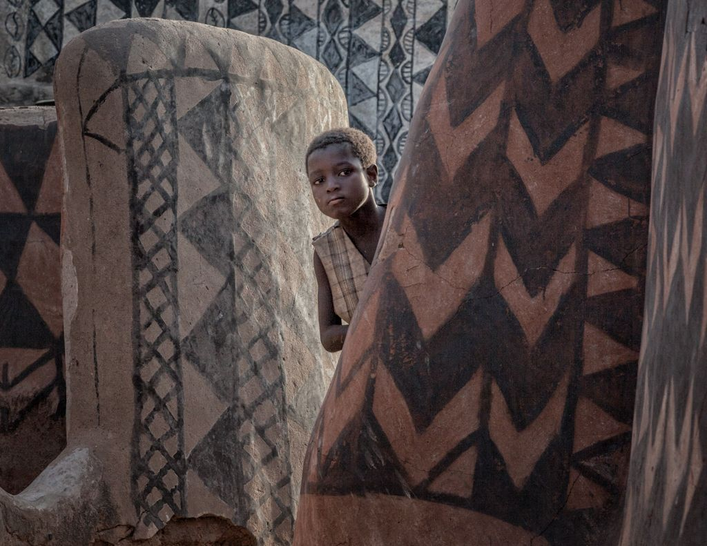 BURKINA FASO & GHANA:  The Art of the Gurunsi Village and Its Demise