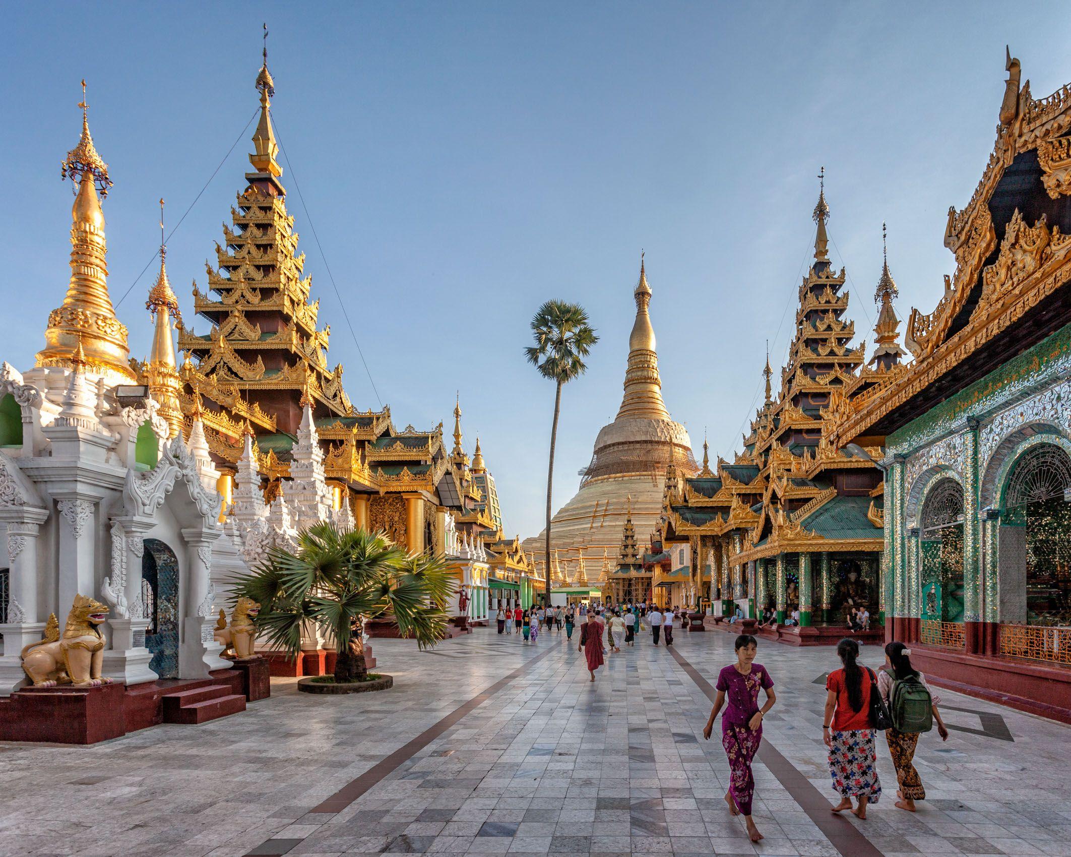 MYANMAR:  Buddhist Temples & Shrines