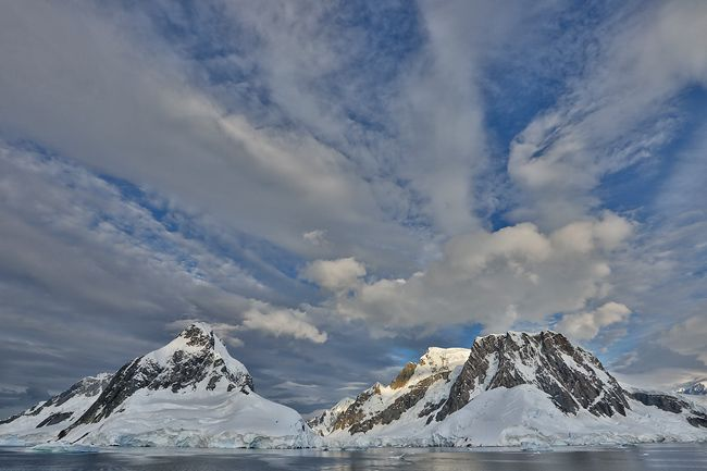 Lemaire-channel-entrance-from-the-south-side-with-clouds_S6A8658-Lemaire-Channel-Antarctica.jpg