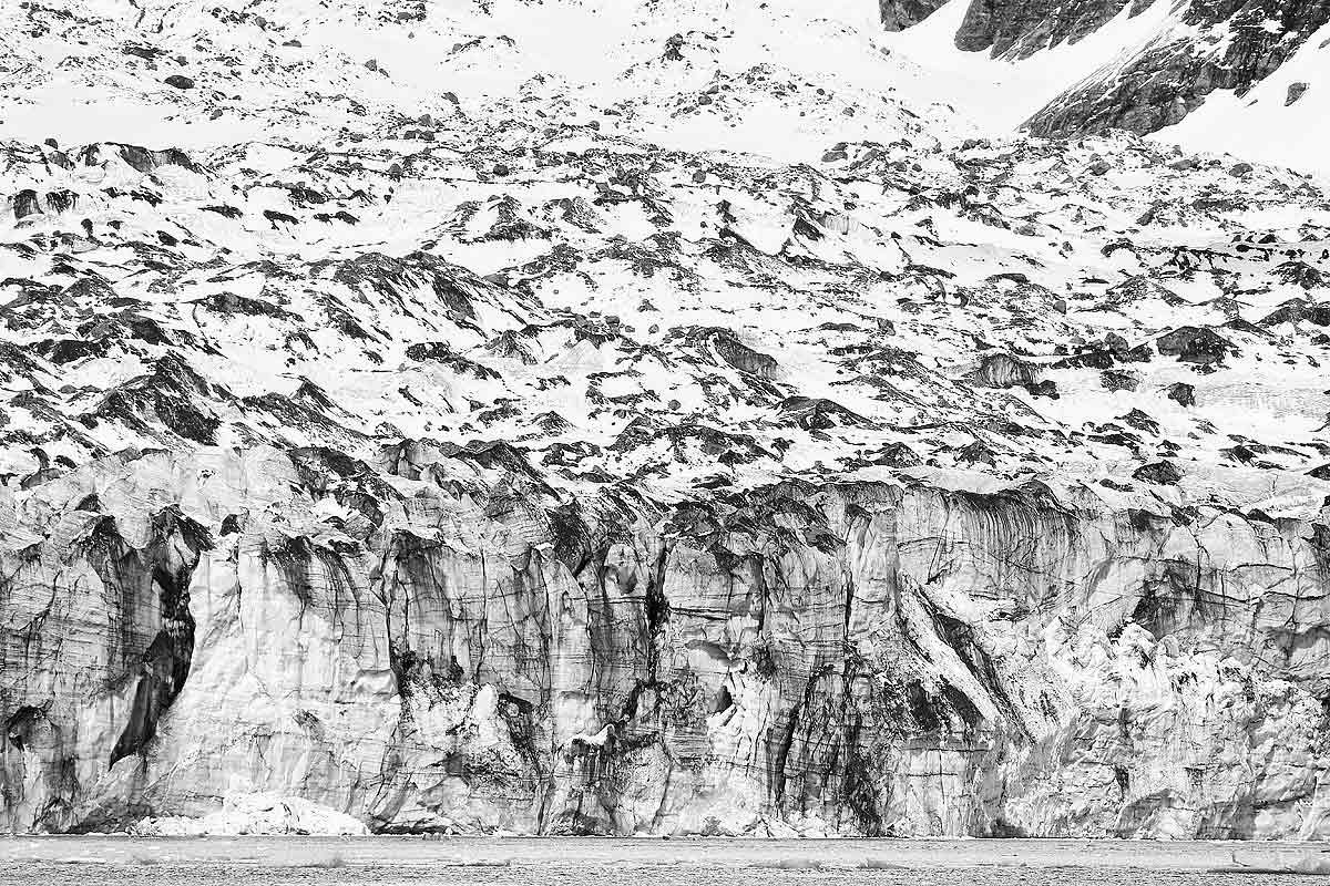 lyell-glacier-front-at-harpoon-bay_bw_44a3987-gryviken-cumberland-bay-south-georgia-islands-southern-ocean.jpg