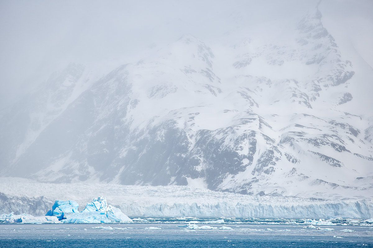 neumayer-glacier-and-iceberg_b8r3794-maiviken-cumberland-bay-south-georgia-islands-southern-ocean.jpg