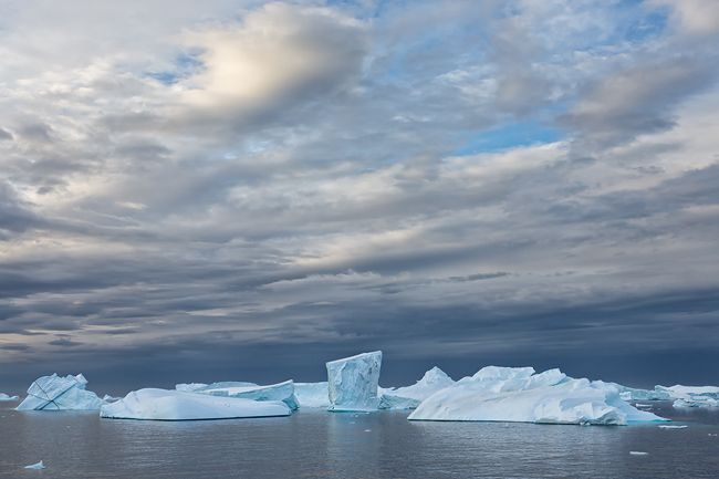 Ice-bergs-floating-on-south-side-of-Lemaire-Channel_S6A8728-Lemaire-Channel-Antarctica.jpg