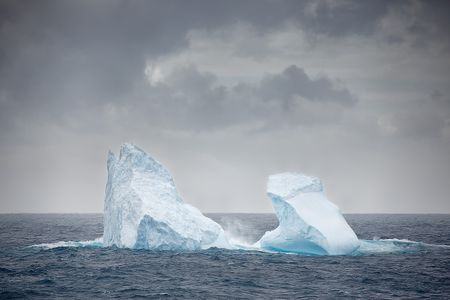 iceberg-floating-in-two-parts_s6a0993-bird-island-south-georgia-islands-southern-ocean.jpg