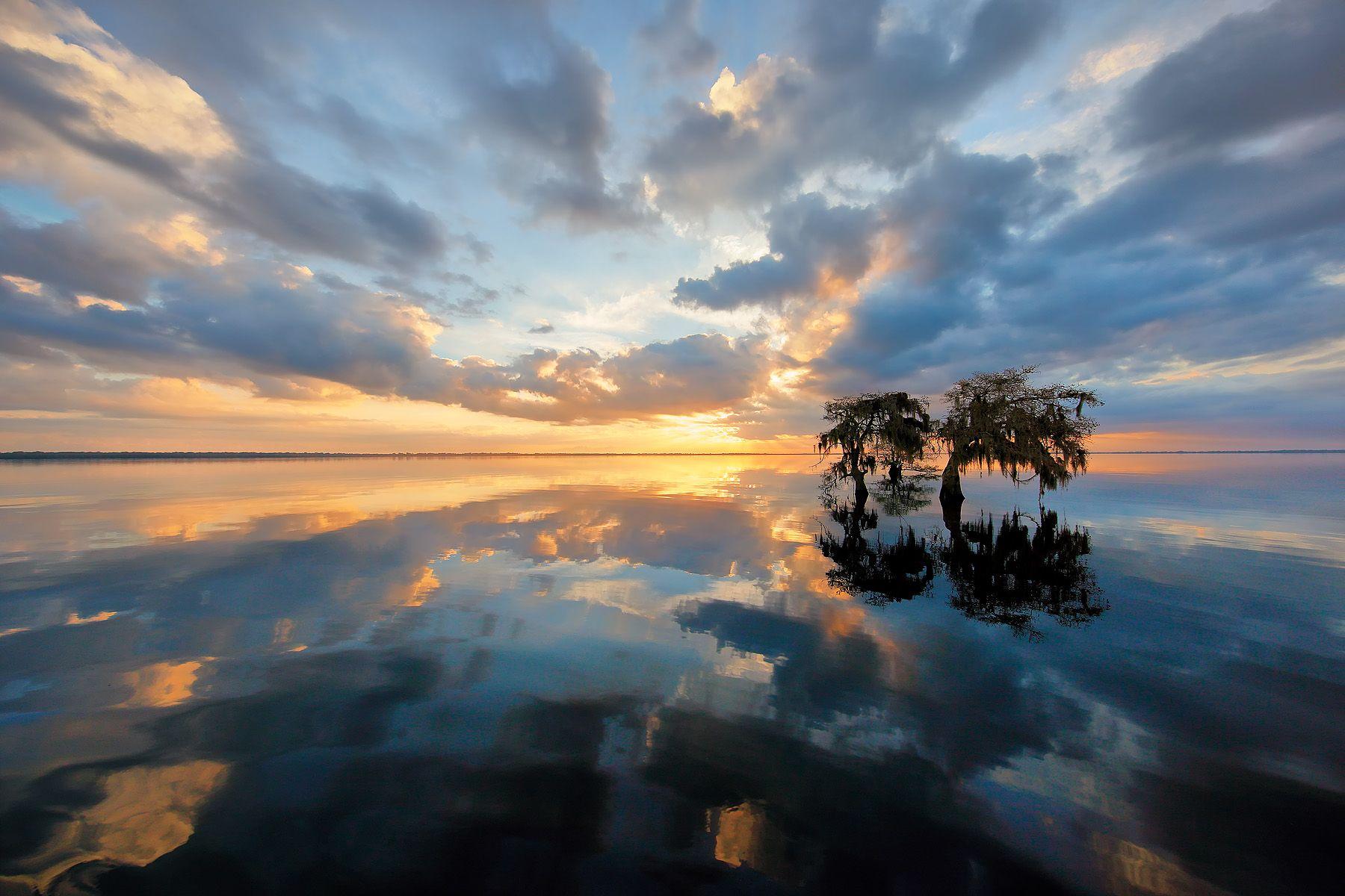 Sunrise at lake Florida