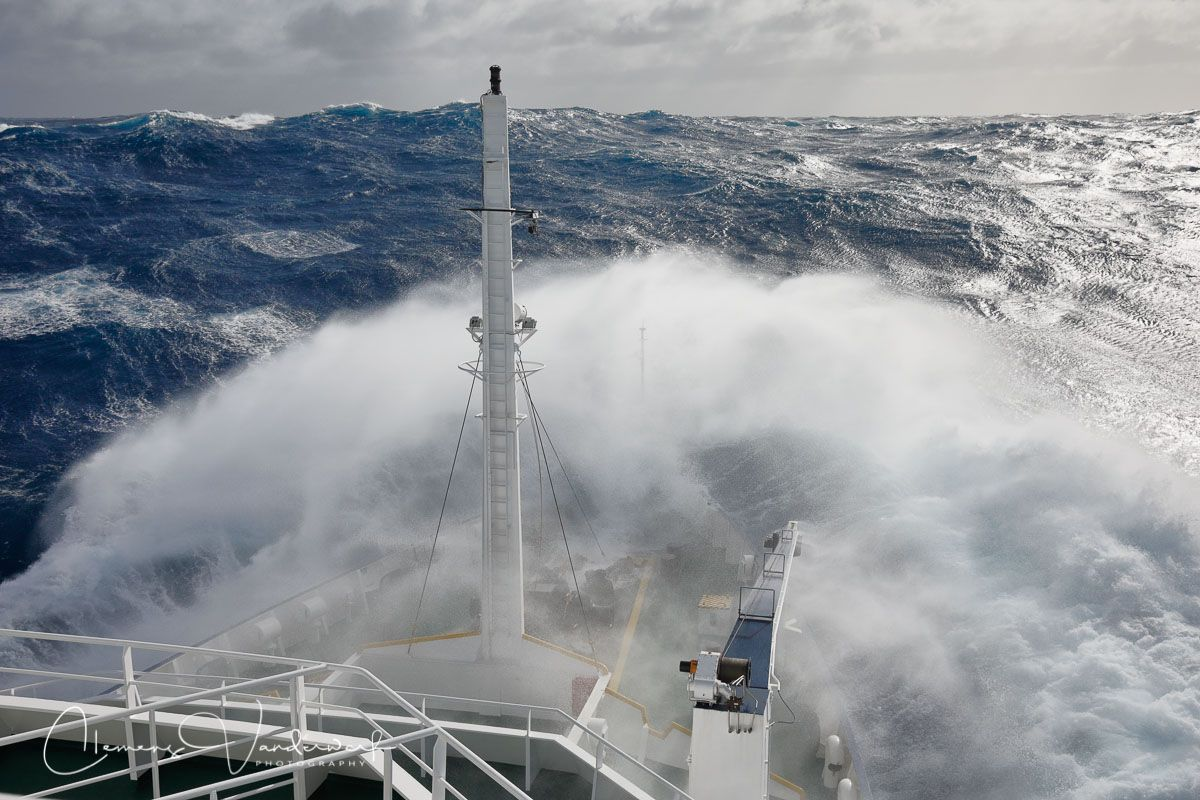 waves-breaking-on-the-bow_83a8235-drake-passage-southern-ocean.jpg