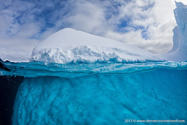 iceberg-with-underwater-view_mg_9496-lemaire-channel-gerlache-strait-antarctica.jpg