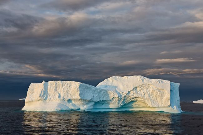Ice-berg-floating-in-late-light_S6A8792-Lemaire-Channel-Antarctica.jpg