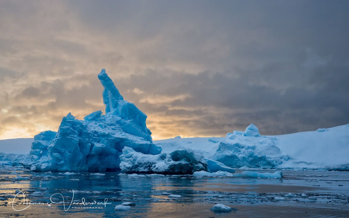 blue-iceberg-in-late-evening-light_s6a5112-cierva-cove-hughes-bay-antarctica.jpg