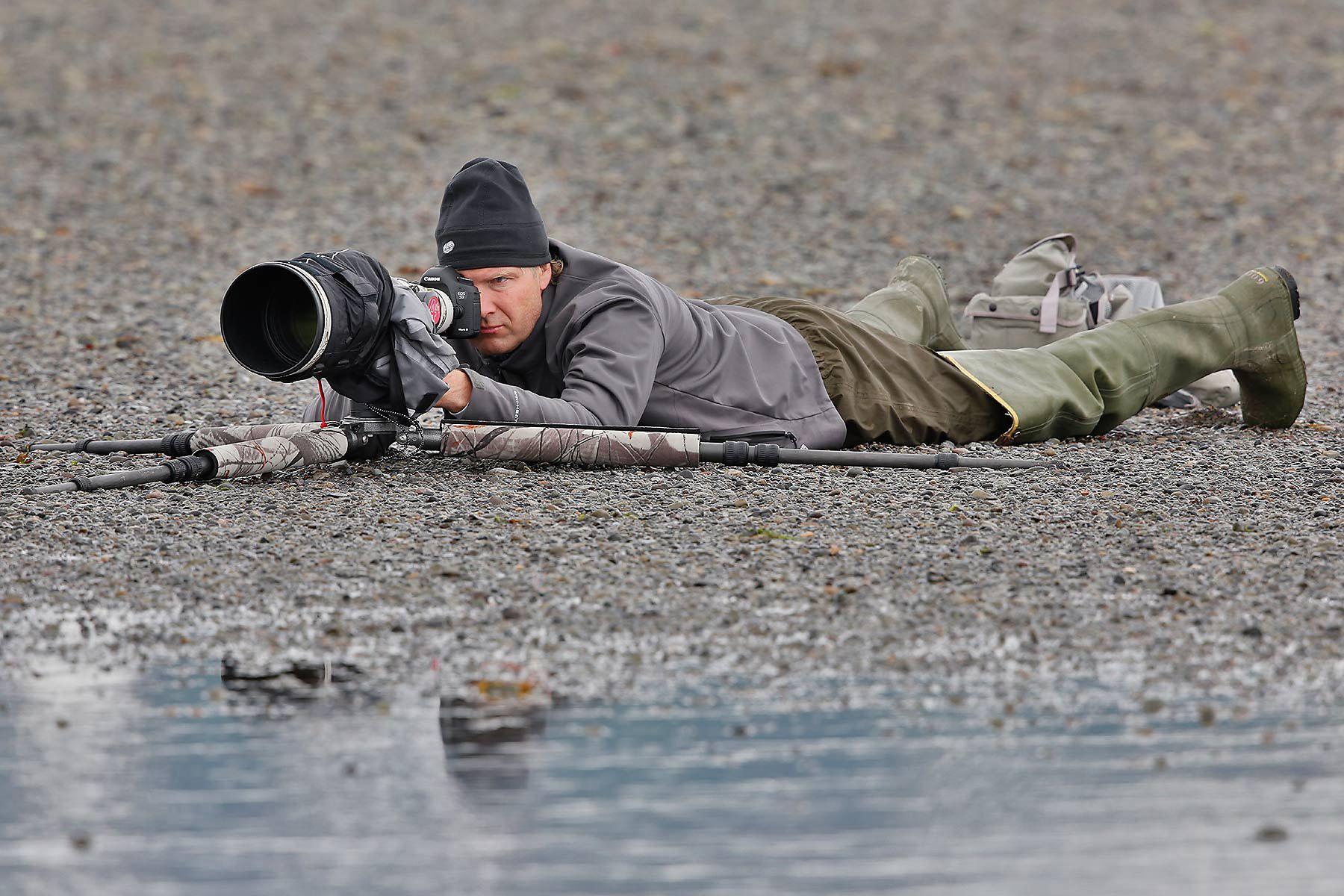 Clemens-Vanderwerf-in-action_A1C0139-Hallo-Bay,-Katmai-National-Park,-AK.jpg