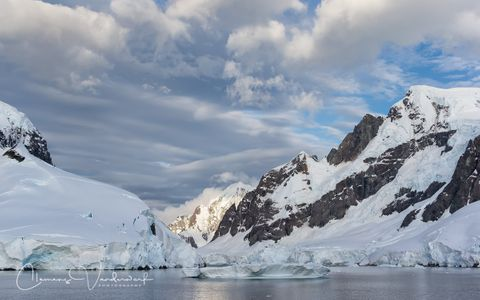 snow-covered-mountains-entrance-lemaire_e7t1436-lemaire-channel-antarctica.jpg