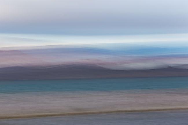 Coastline-blur-in-pastel-colors_E7T3352-Murthsonfjorden-Svalbard-Arctic.jpg