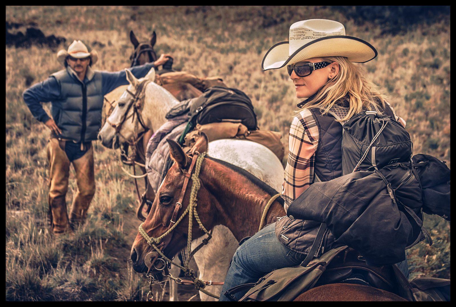 1haleakala_crater_horse_ride