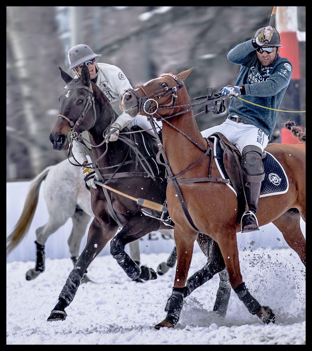 1nic_snow_polo_action