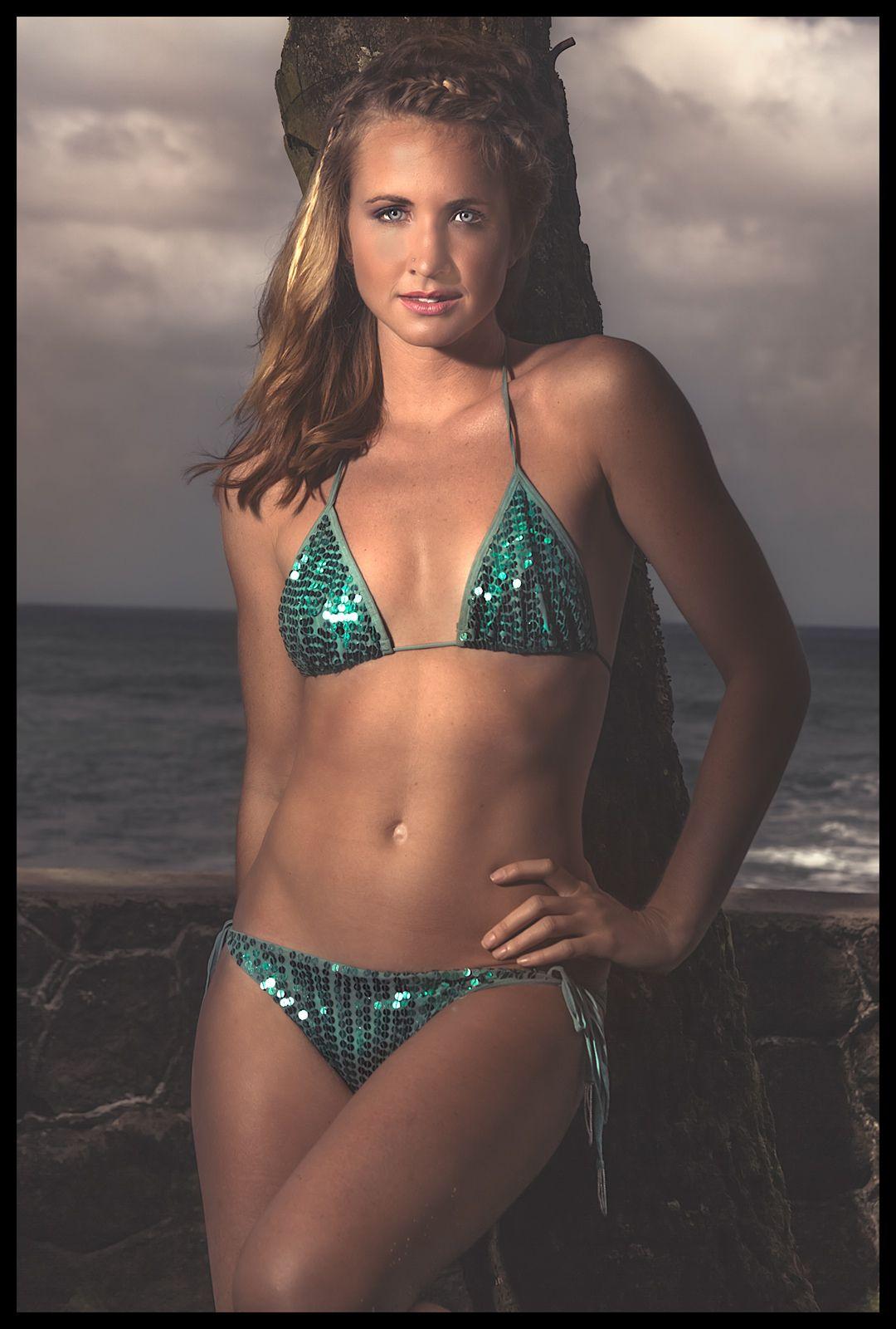 1swimsuit_model_2