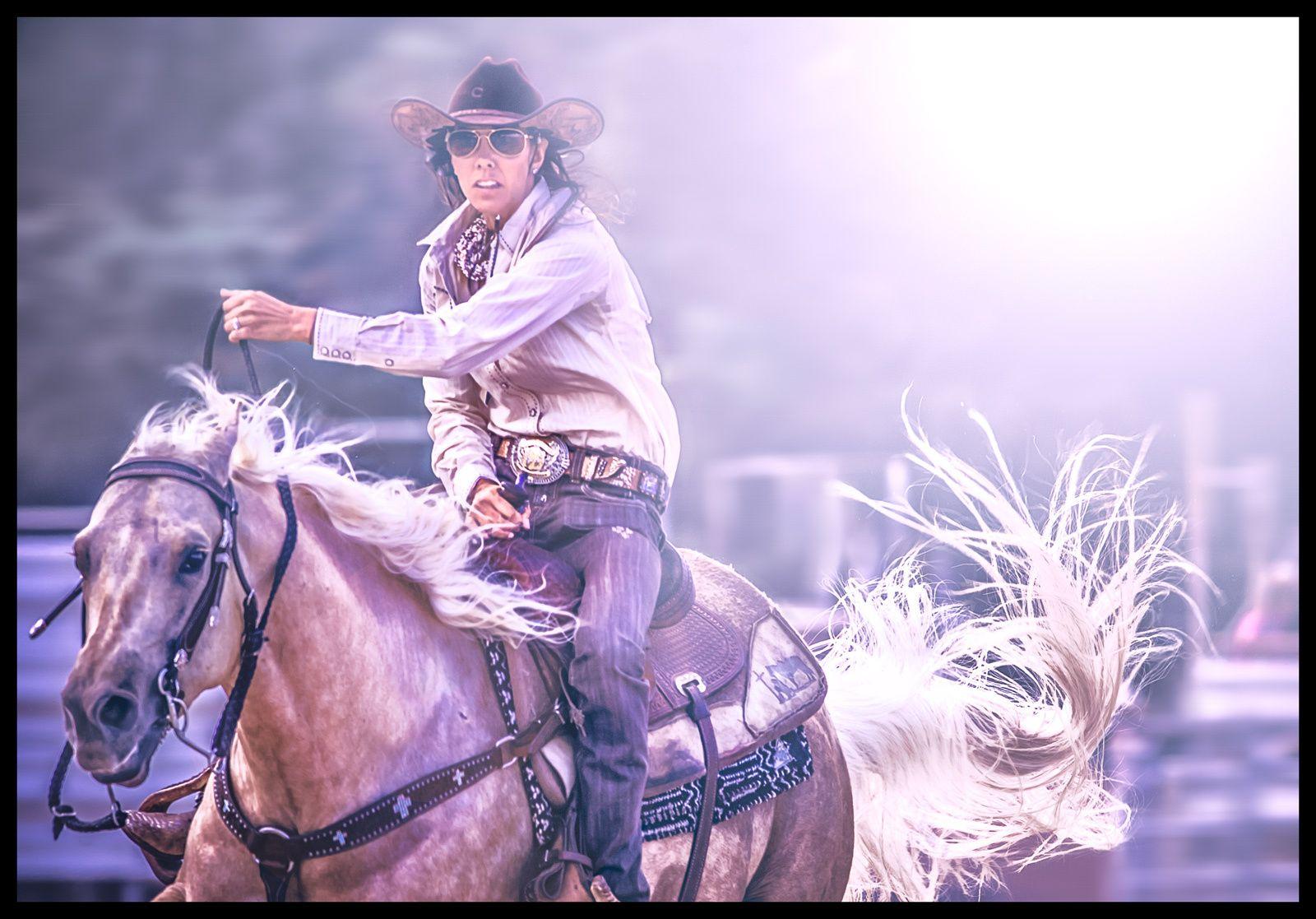 1oahu_rodeo_wahine_barrel_racer