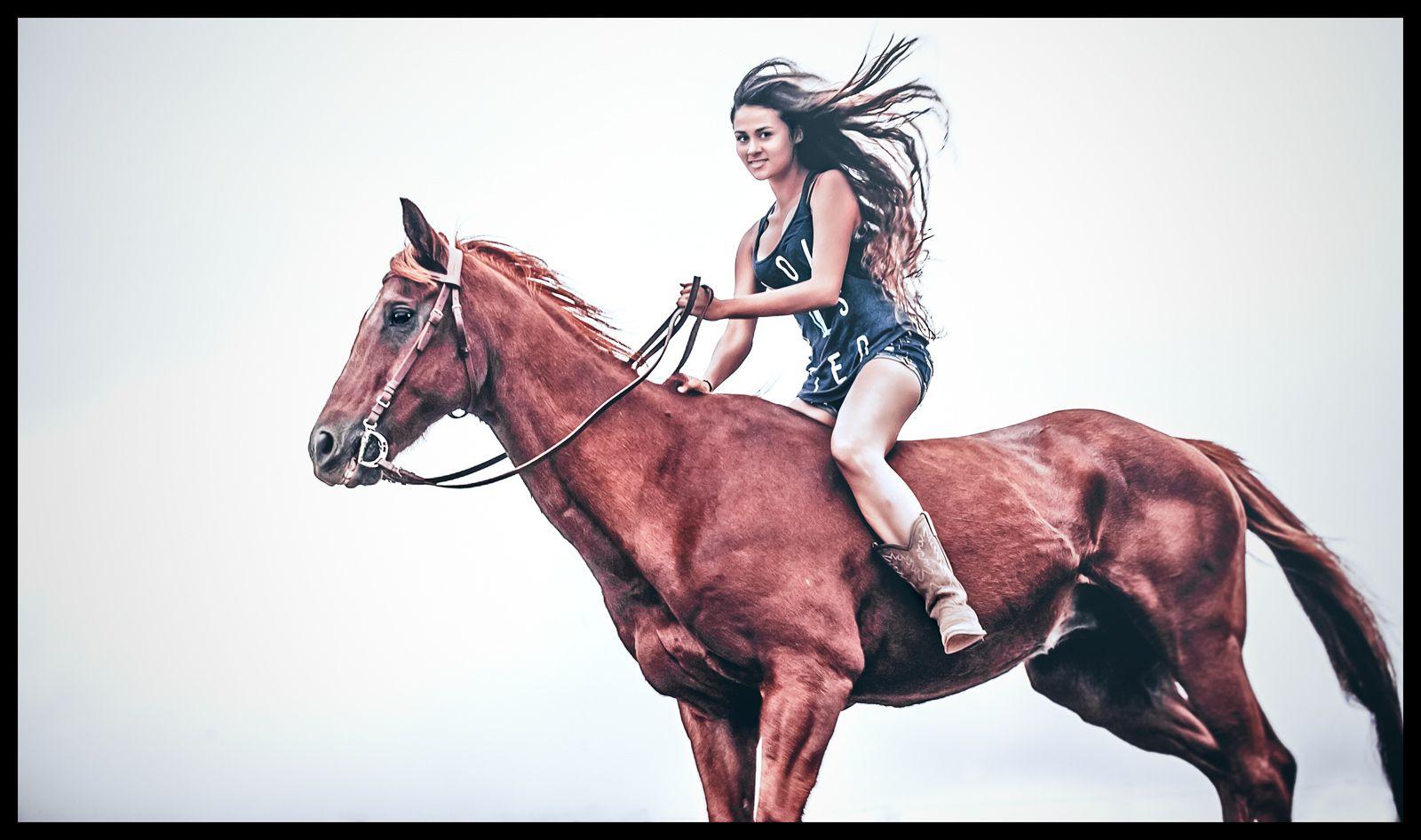 1island_cowgirl_lifestyle