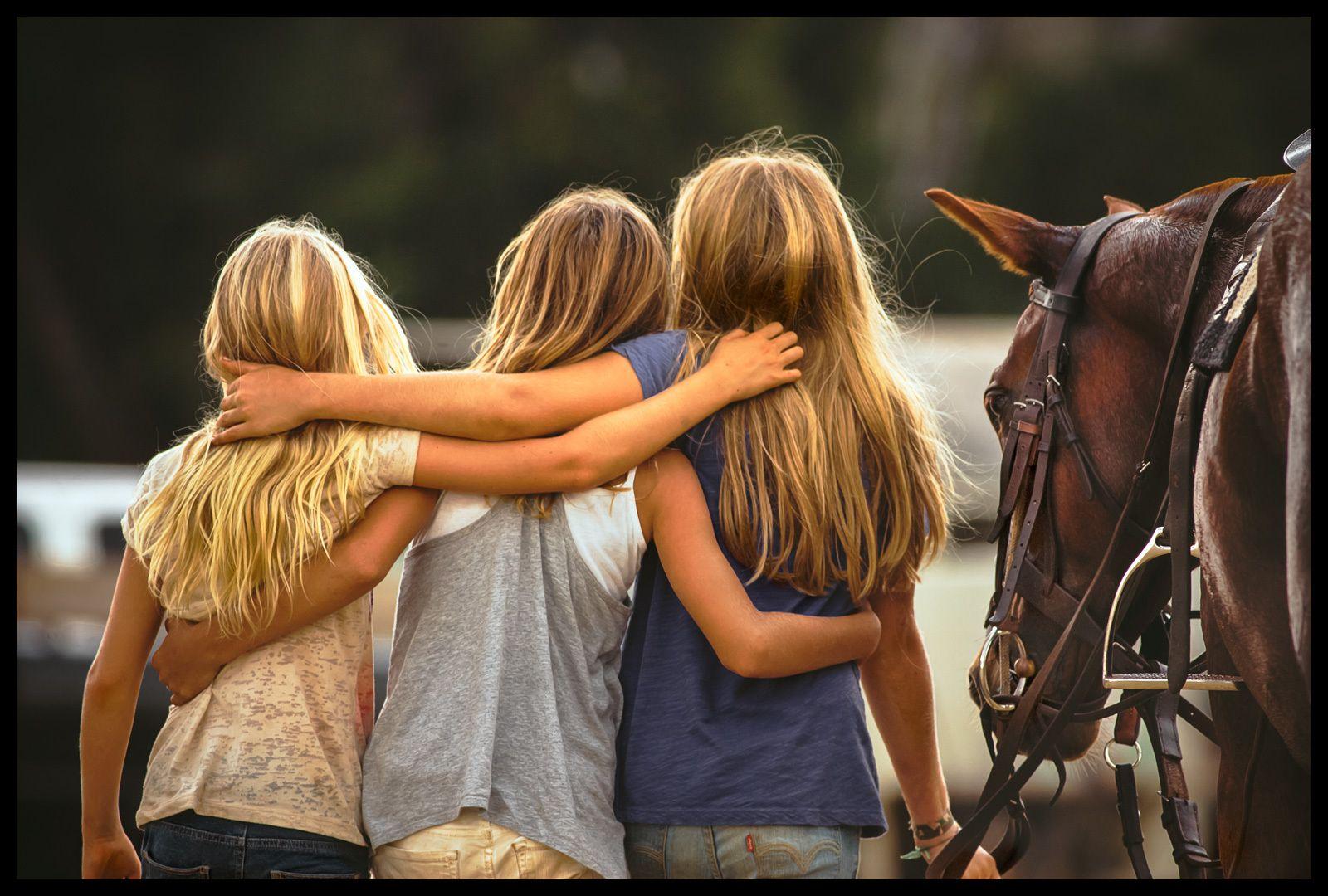 1maui_polo_girls_friends