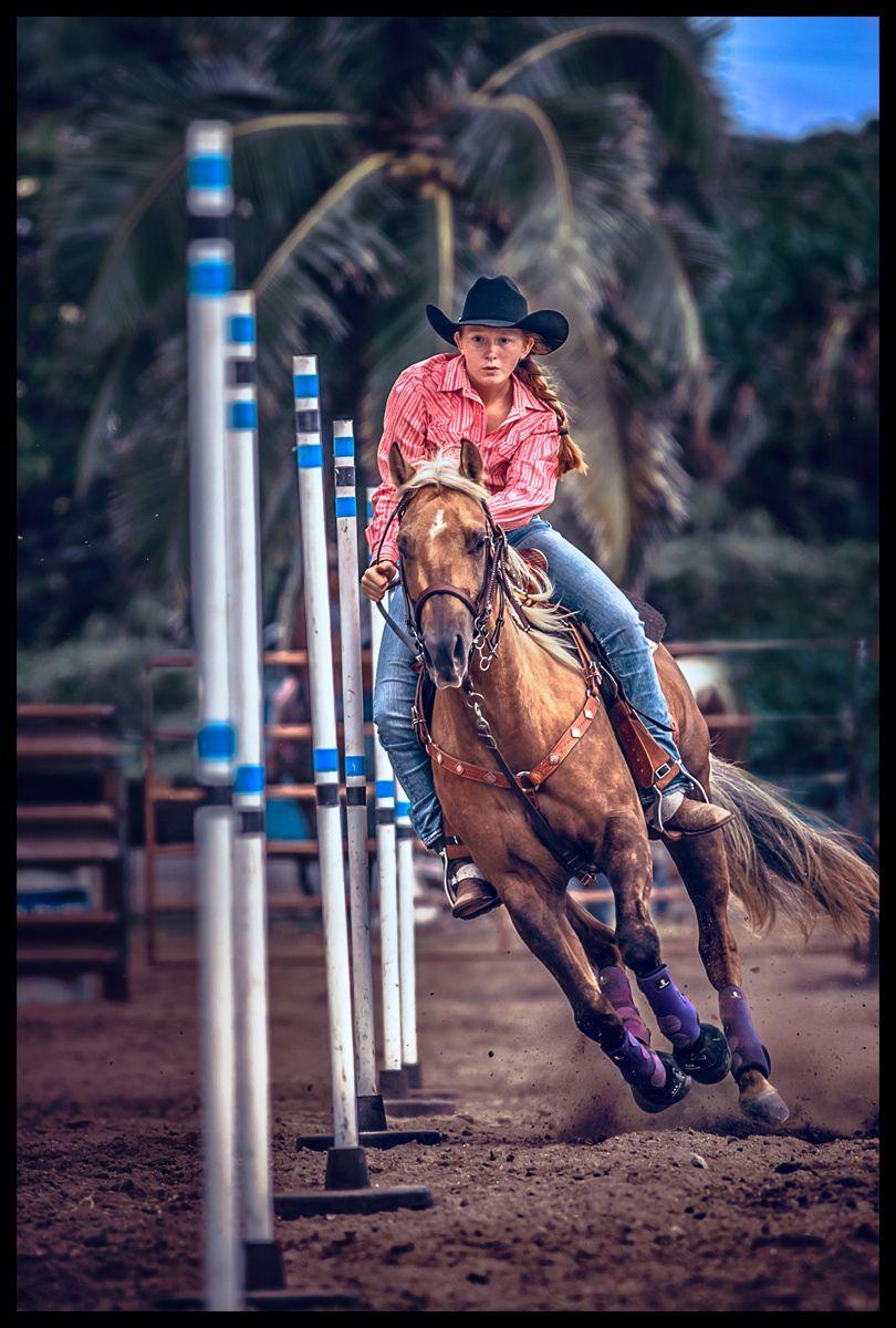 1hawaii_rodeo_pole_bending