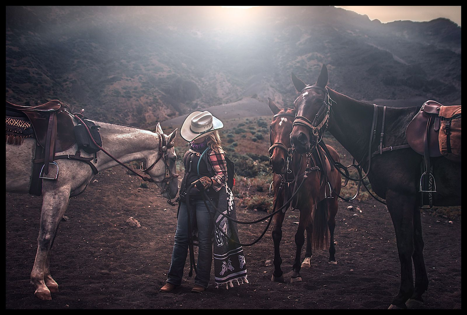 1crater_cowgirl