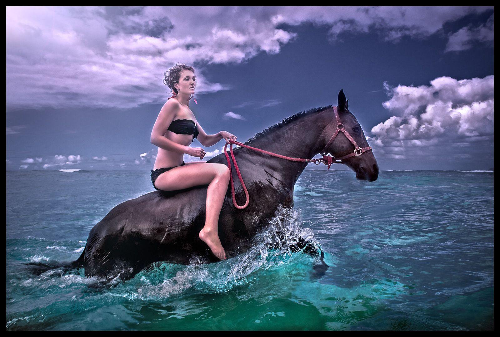 1wahine_horse_1