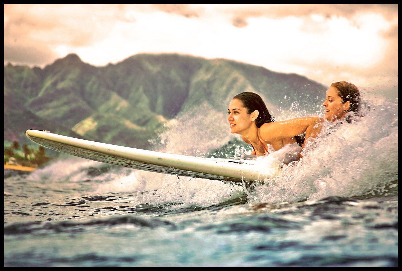 Tandem Surf girls
