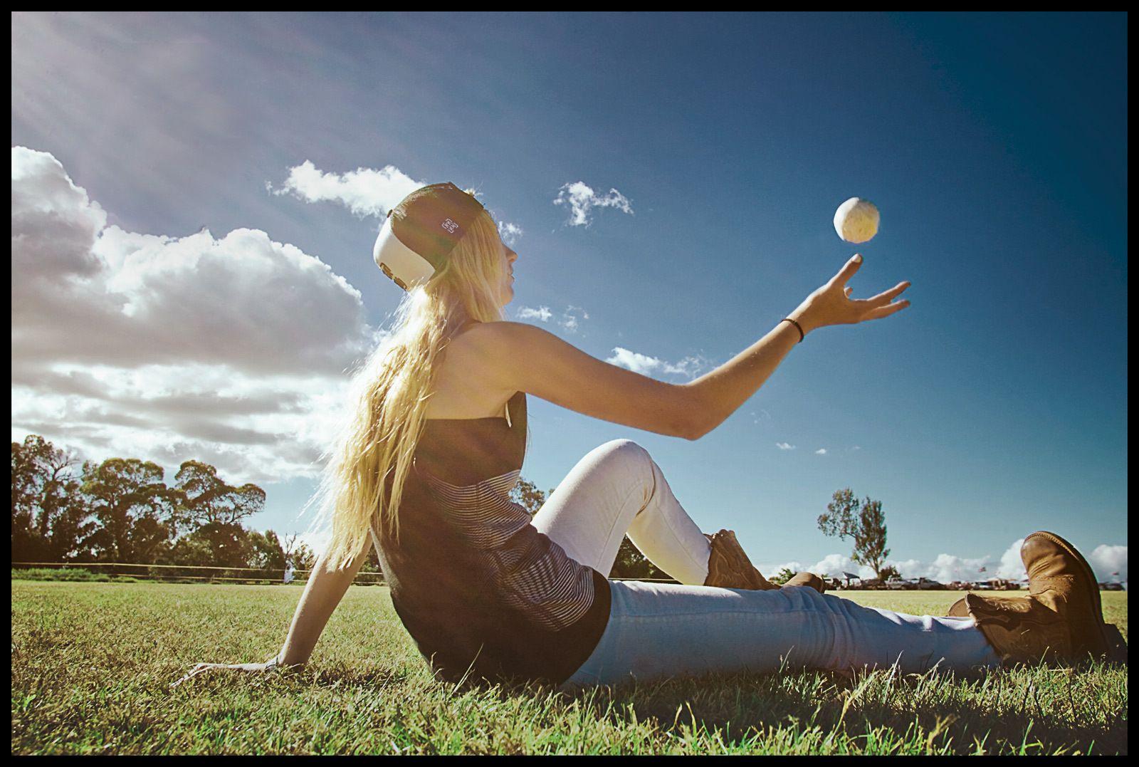 1wahine_polo_girl_ball_2