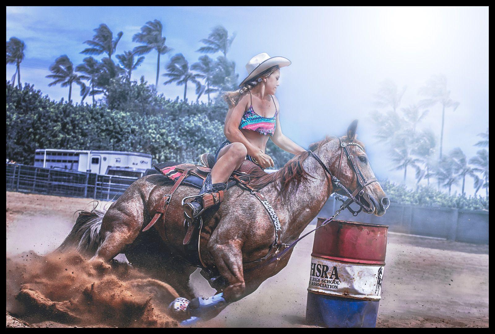 1bikini_horse_2