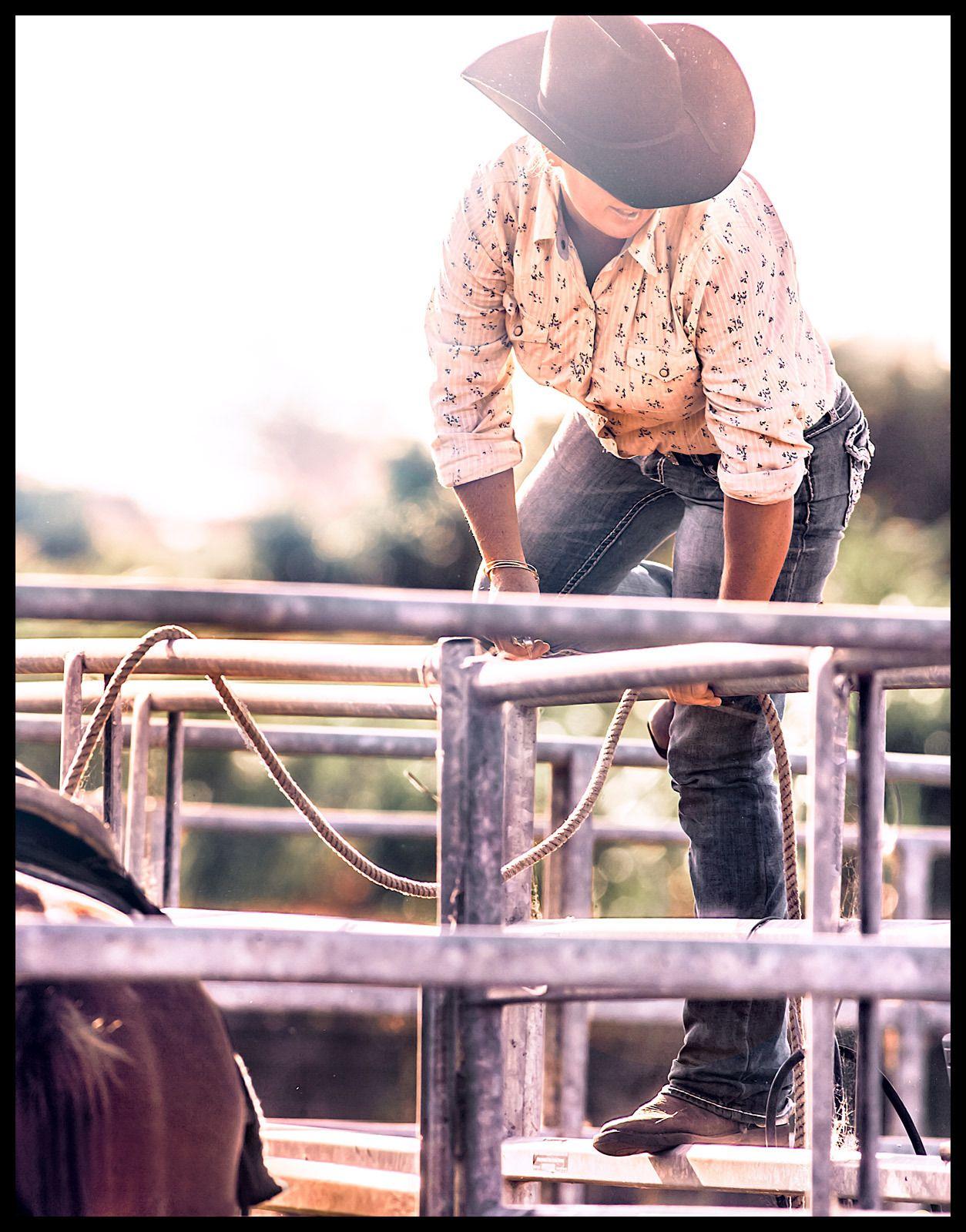 1island_cowgirl_2