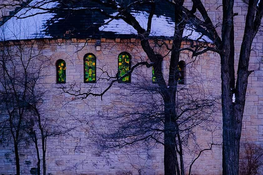 1chapel_stained_glass_windows_exterior