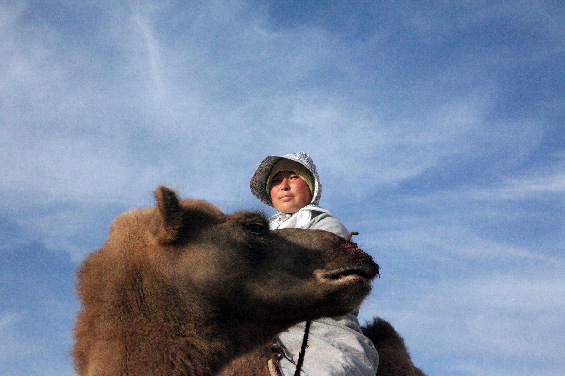 1travel_mongoliacamelrider