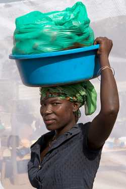 Layeno Eunice (age 38) selling  Avocados for four years.
