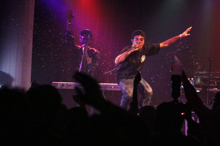 RAPPING & THROWIN WATER @ Santos Party House