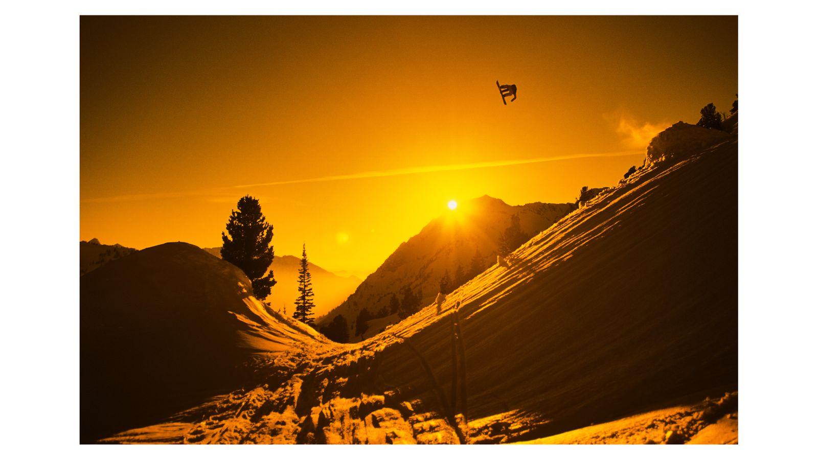 SNOWBOARD WEB  PAGE2.jpg