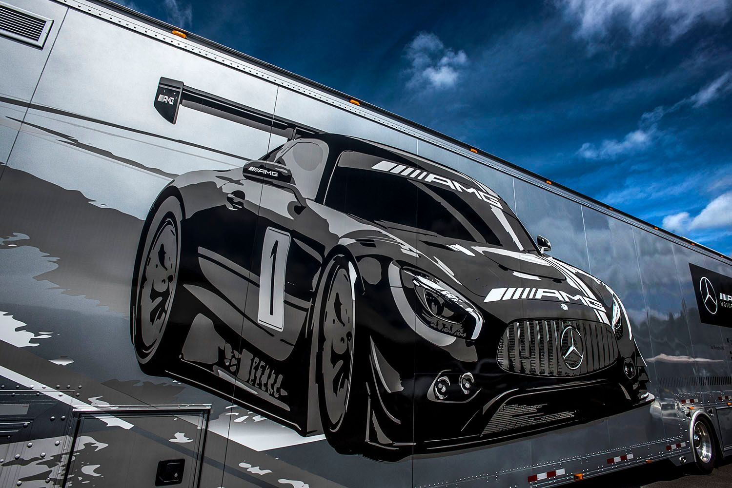 Mercedes-Benz Transport Truck