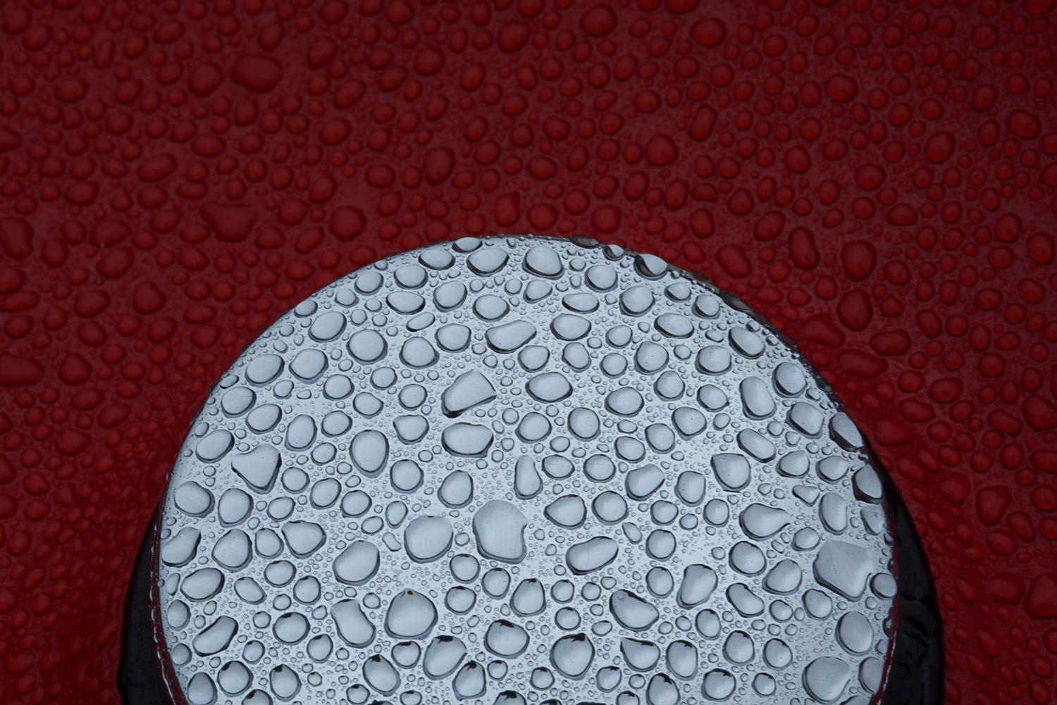 MG Gas cap with water drops