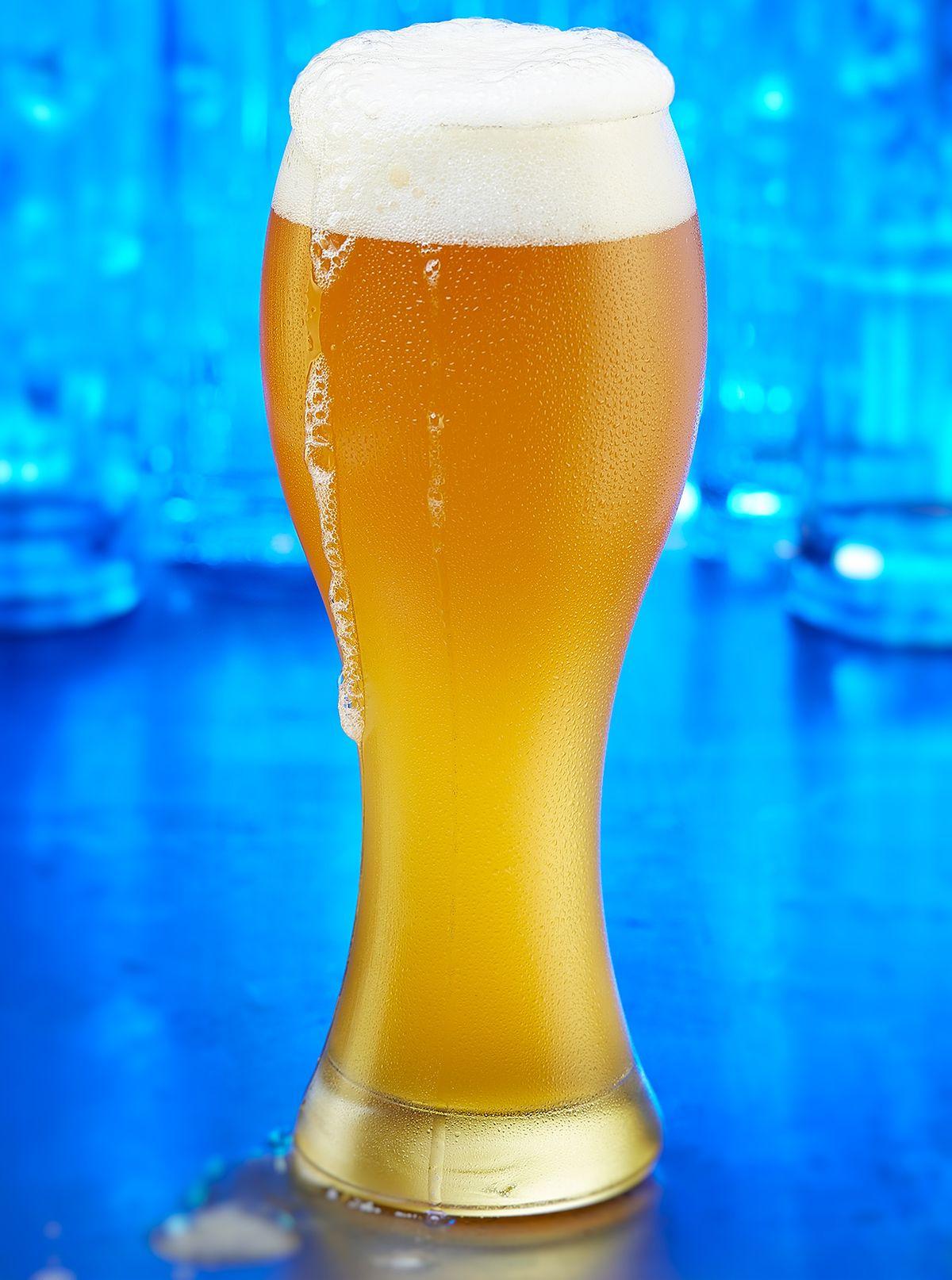 Beer_blue_glasses.jpg