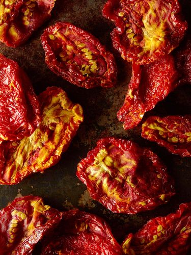 sundried-tomatoes-macro-vertical.jpg