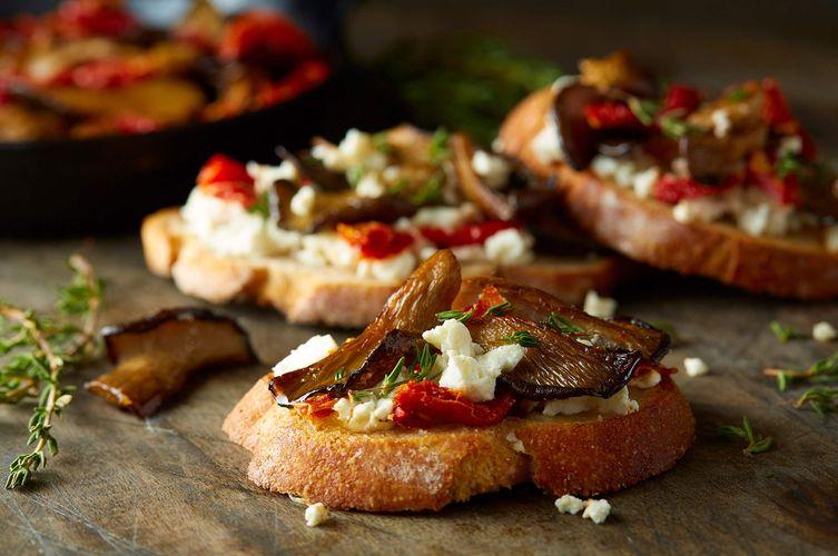 roasted-mushroom-sundried-tomato-toast.jpg