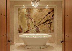 RCMontreal_Suite_Bath.jpg