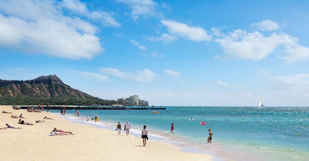 Beach_diamondhead_waikiki