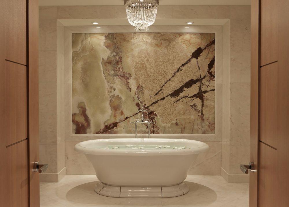 Suite-Bath_RC_Montreal