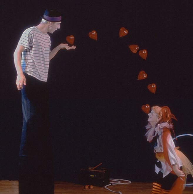 Circus_performers_hearts