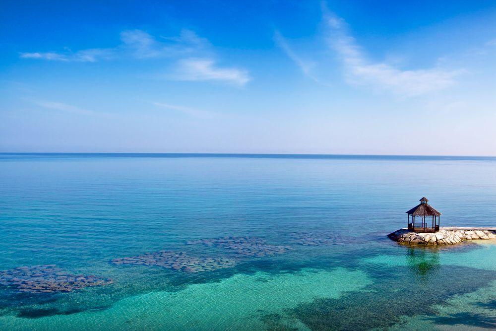 Gazebo_ocean_jamaica