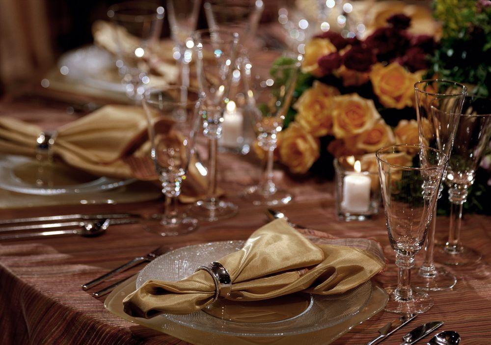Banquet Social Place Settings